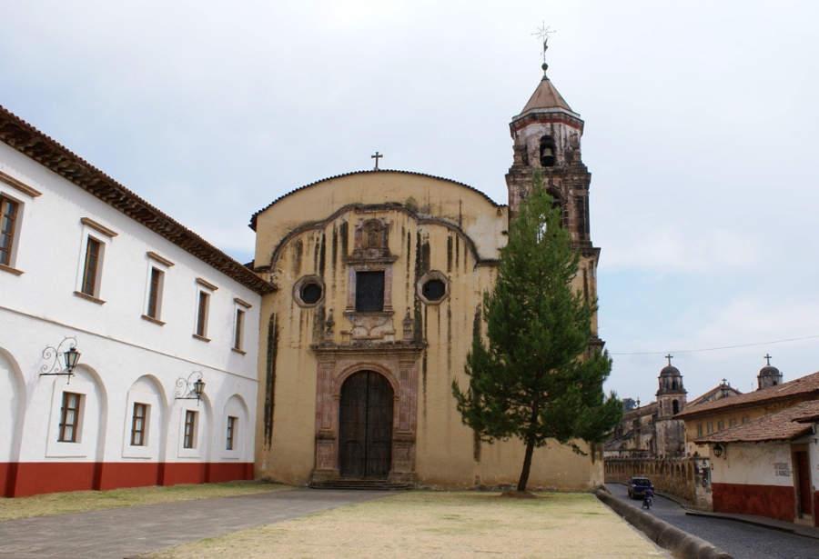 <p>Antiguo Templo de la Compañía de Jesús in Morelia</p>
