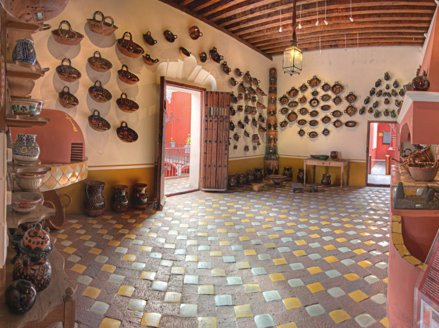 <p>Interior of the Casa del Alfeñique Museum</p>