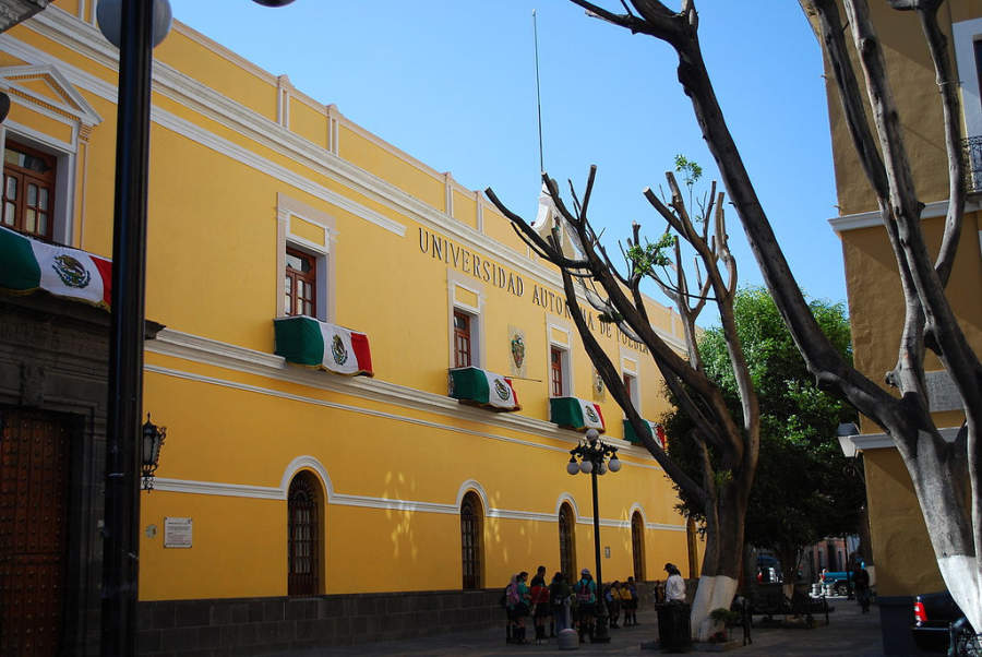 <p>Meritorious Autonomous University of Puebla, in the historic center of Puebla</p>