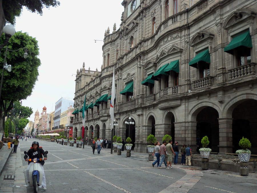 <p>Exterior of Puebla City Hall, located opposite the Zocalo</p>