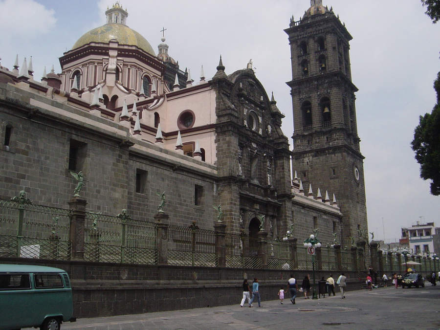 <p>Main facade of Puebla Cathedral</p>