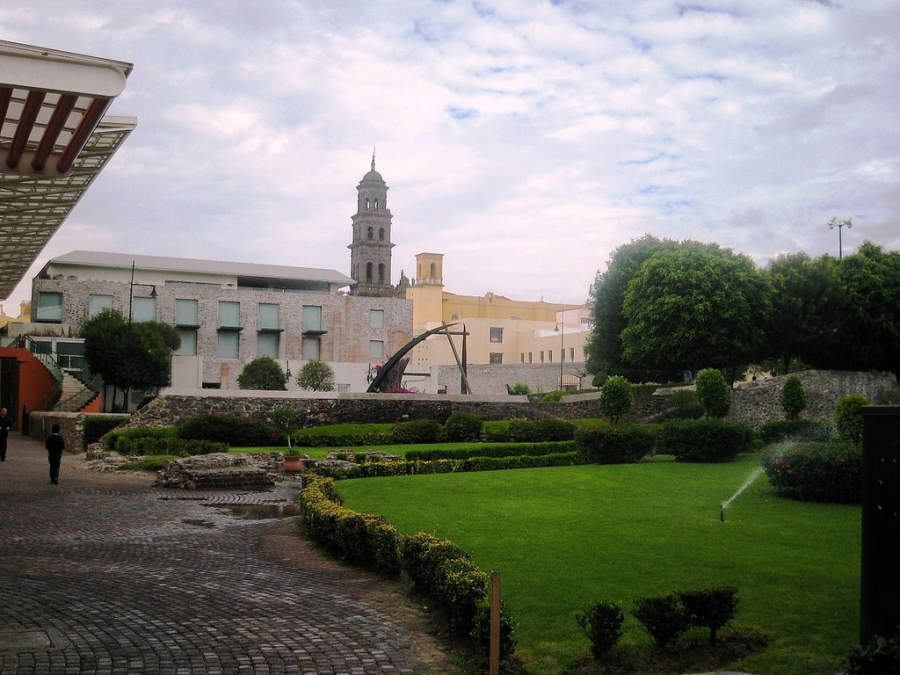 <p>Paseo de San Francisco, commercial area in Puebla</p>