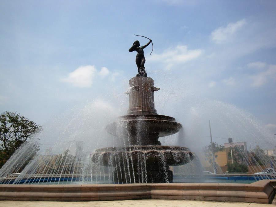 <p>Diana Cazadora Fountain in Villahermosa</p>