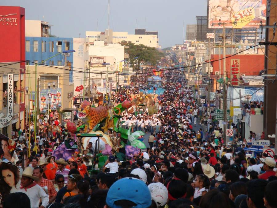 <p>Colorful parade during Tabasco Fair in Villahermosa</p>