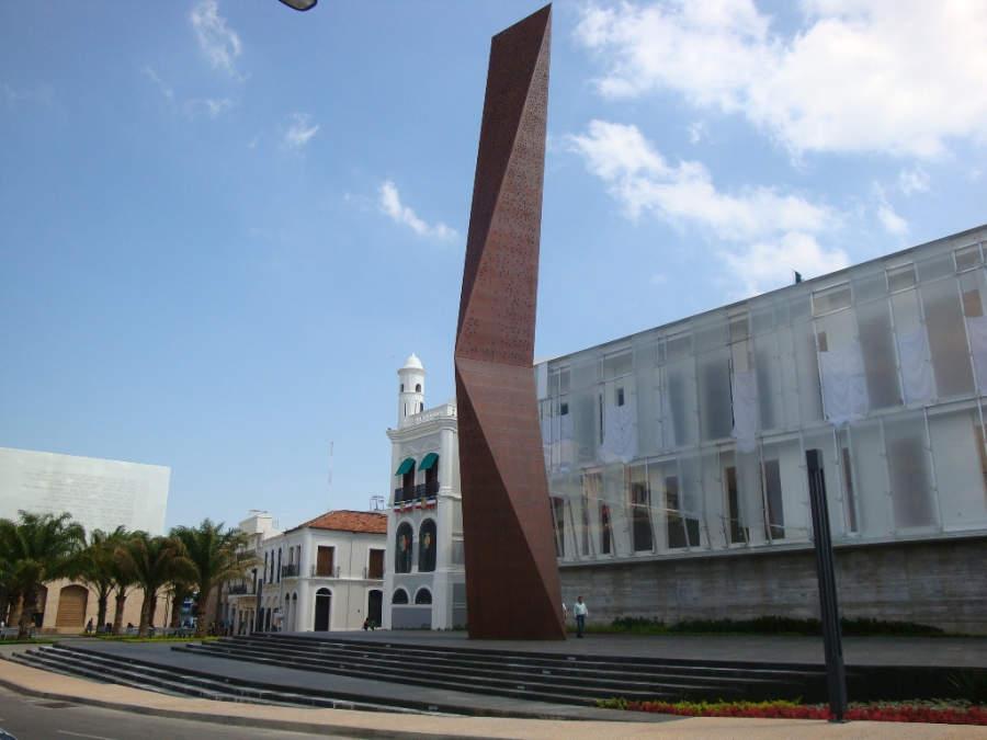 <p>Plaza Bicentenario in Villahermosa features an obelisk</p>