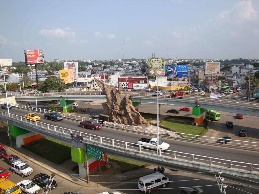 <p>Andrés Sánchez Magallanes Roundabout in Villahermosa</p>