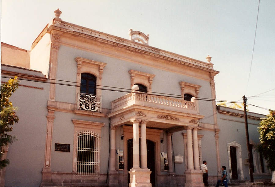 <p>The Historical Museum of the Mexican Revolutionis housed in the former house ofPancho Villa</p>