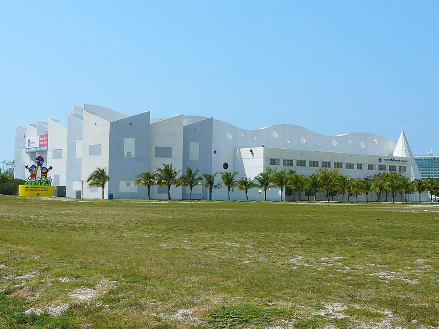 <p>El Museo del Niño en Miami fue fundado en el año de 1983</p>
