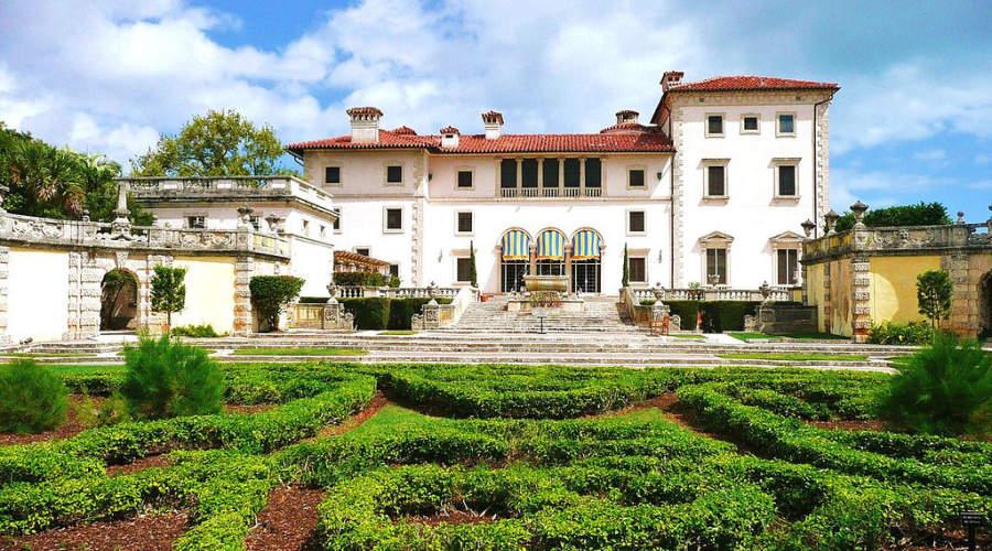 <p>Vista exterior de la Villa Vizcaya en Miami</p>