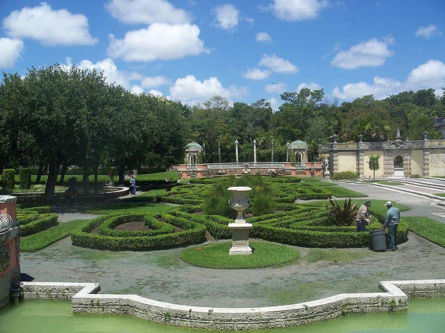 <p>Jardines en Villa Vizcaya</p>