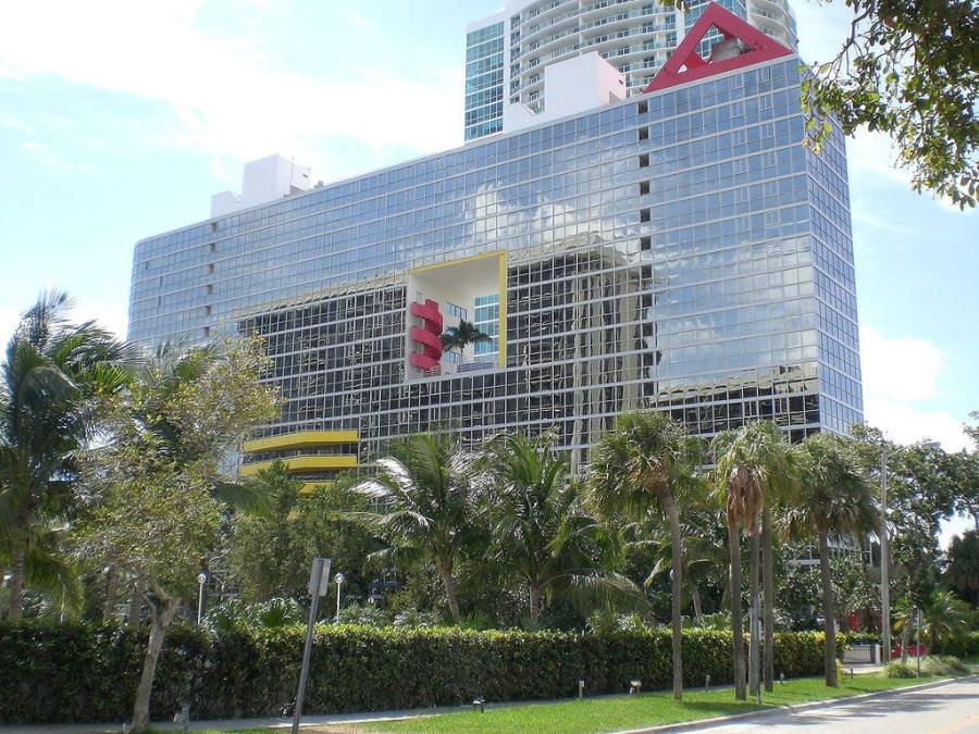 <p>El famoso edificio Atlantis en Miami, escenario de la serie Miami Vice</p>