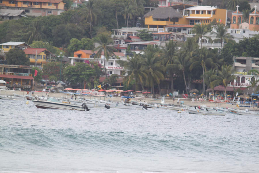 <p>Boats for touring in Puerto Escondido</p>