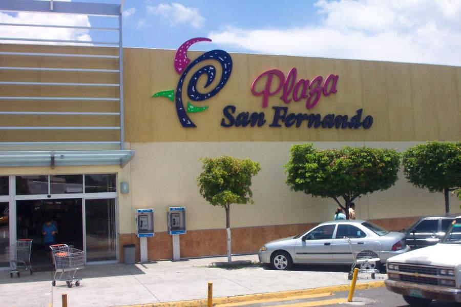 <p>San Fernando Square in Colima</p>