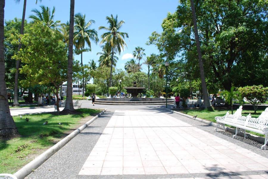 <p>Núñez Park in the city of Colima</p>