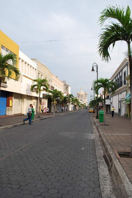 <p>Madero Avenue in the city of Colima</p>