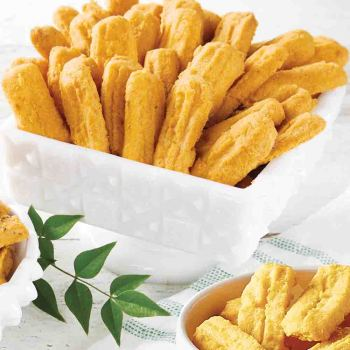 Betsy's Classic Cheese Straws