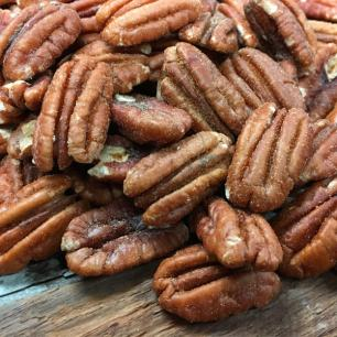Cajun Roasted and Salted Pecan Halves 1 lb. Bag
