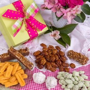 Oh Happy Mother's Day Pecan Gift Box