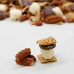 Smores-Snack-Mix2-min