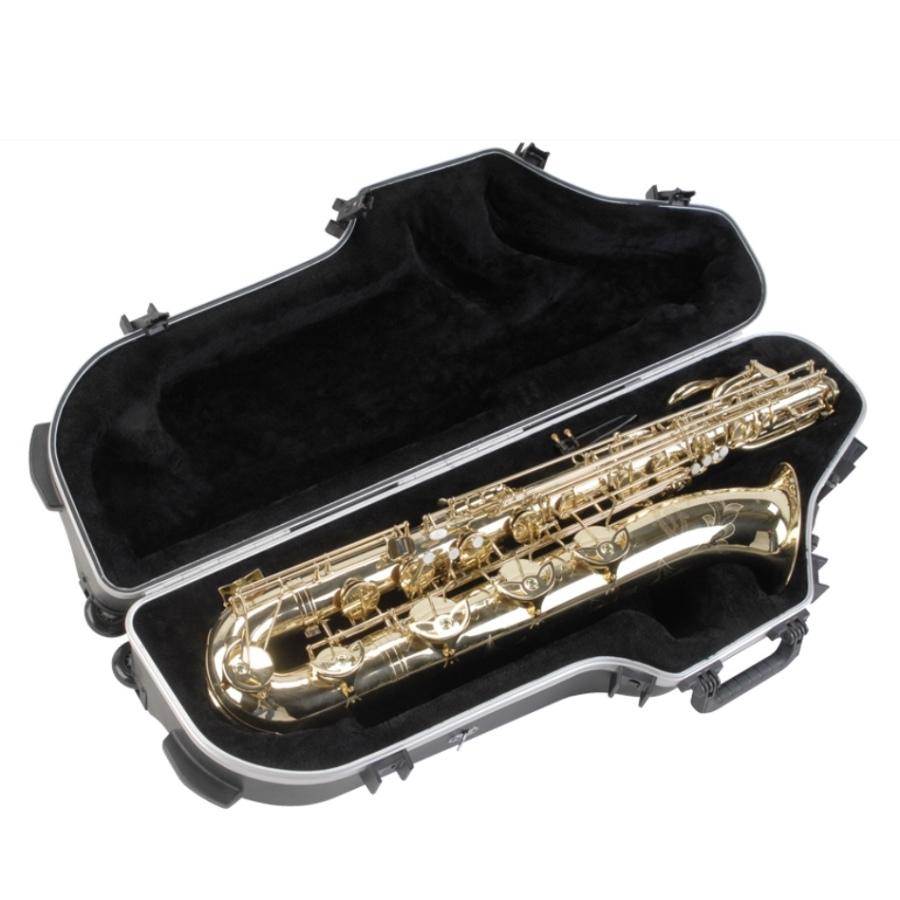 SKB Contoured Pro Universal Baritone Saxophone Case with Wheels