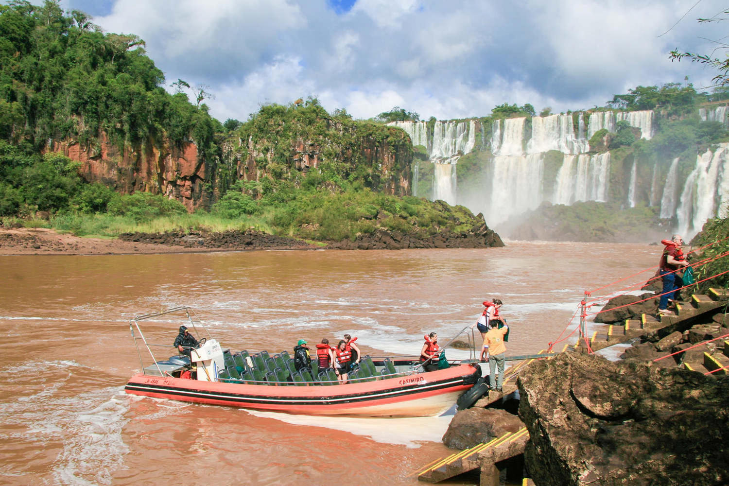 Tourists visiting the Iguassu falls