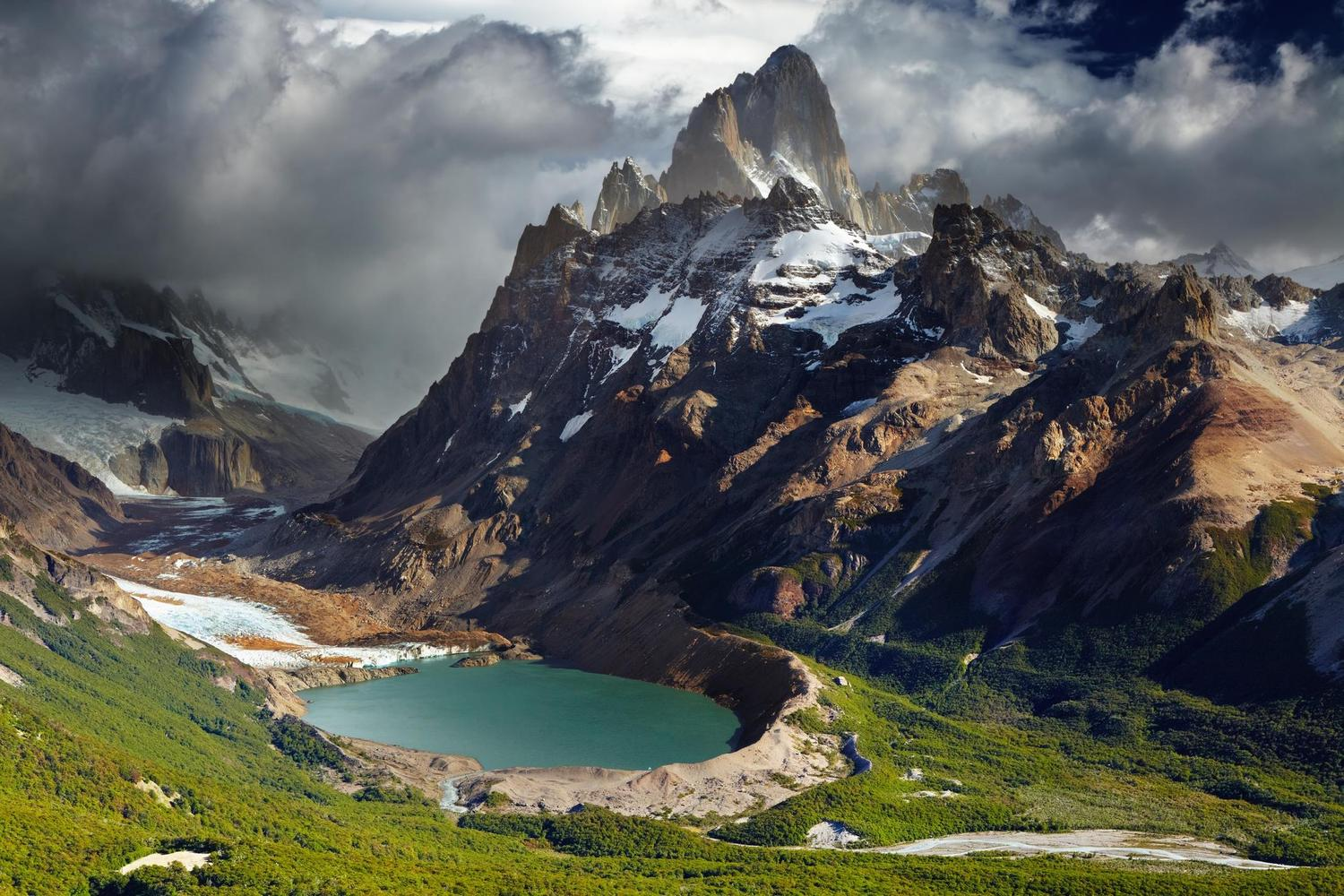 The fantastic mountain landscapes of Fitzroy in Argentine Patagonia