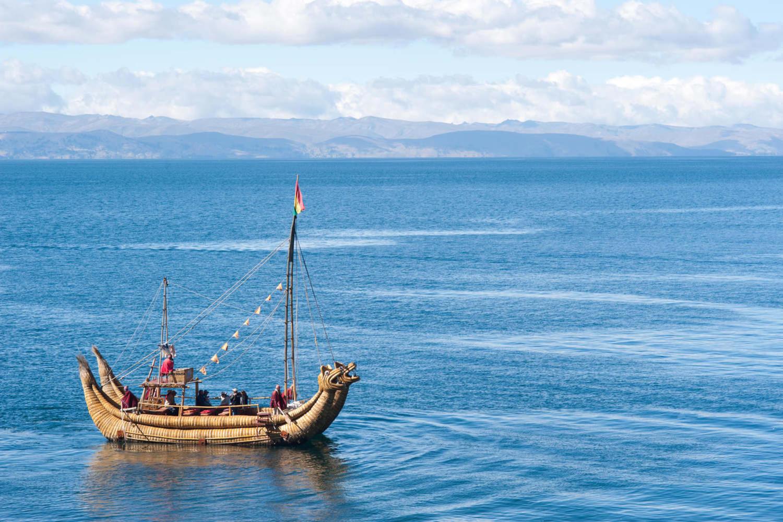 Reed boat off Isla del Sol