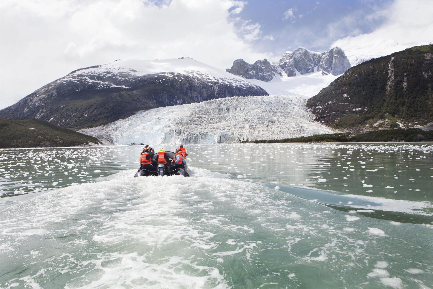 Approaching the Pia Glacier
