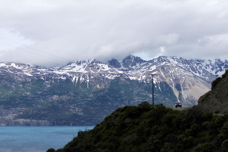Following the shores of Lago General Carrera