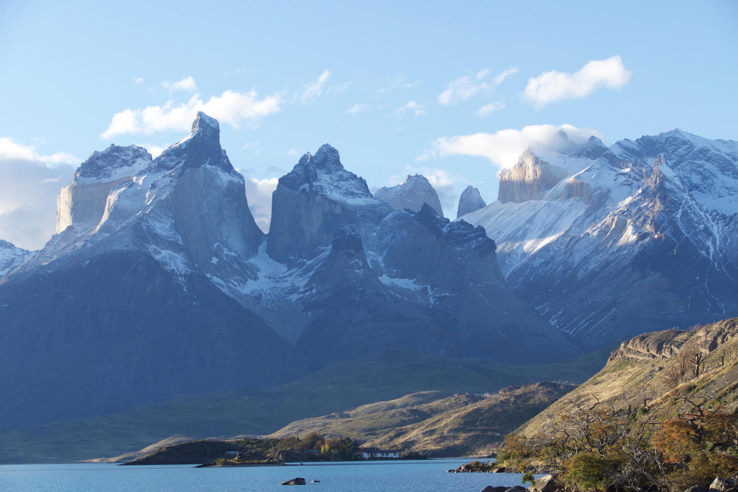 Late afternoon at Lago Pehoe, Torres del Paine