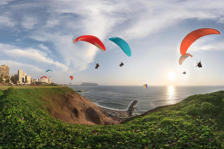 Paragliding in Miraflores