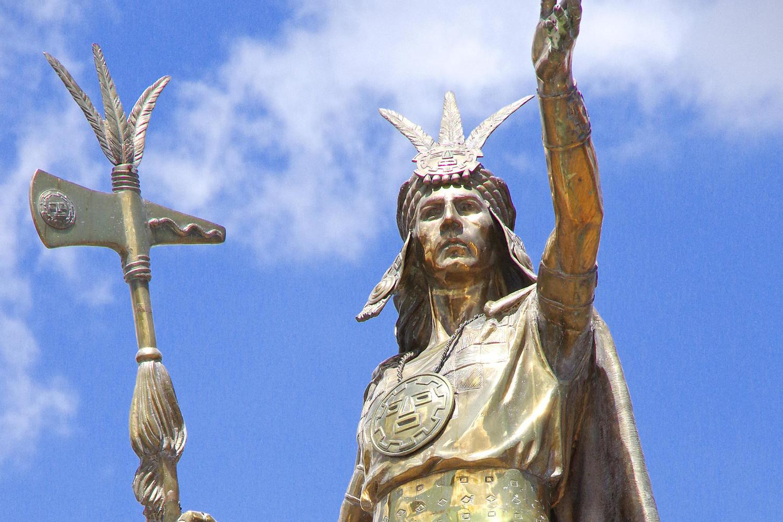Inca statue on Cusco's Plaza de Armas