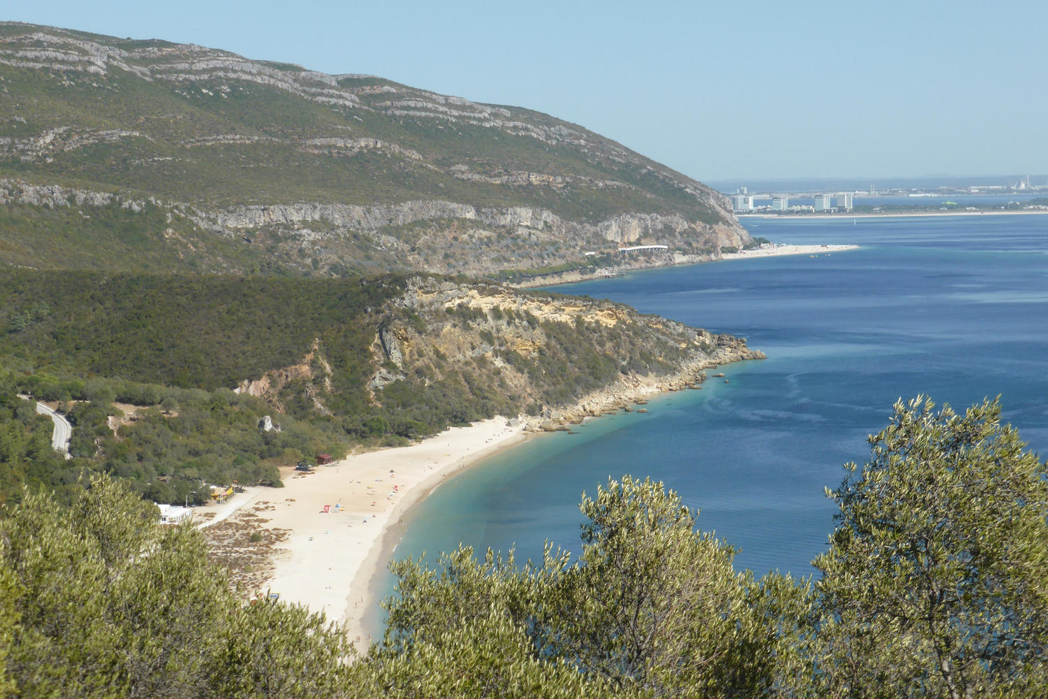 Welcoming beaches in the Serra da Arrabida