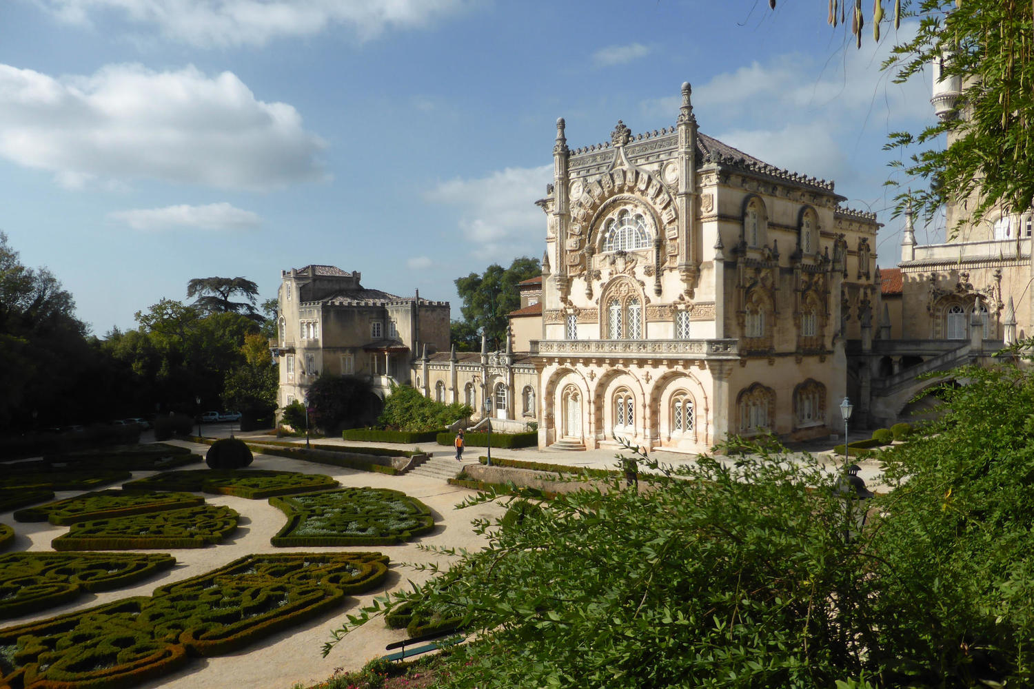 Palacio de Bussaco and its pretty gardens