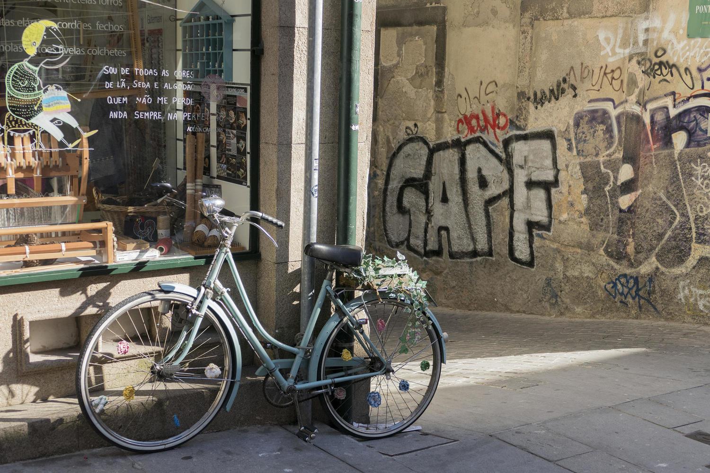 Street scene in Porto's Rua das Flores