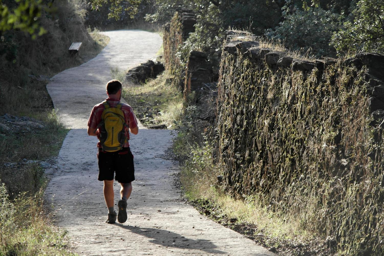 The path from Alajar towards Linares de la Sierra
