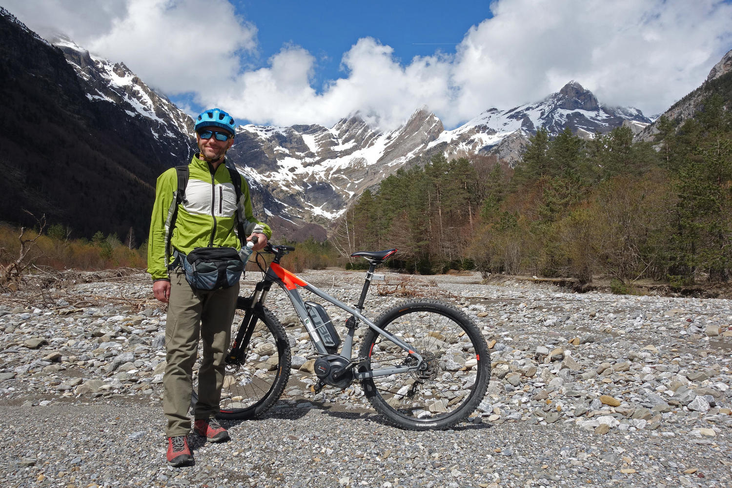 Guided ebike routes in the Pyrenees