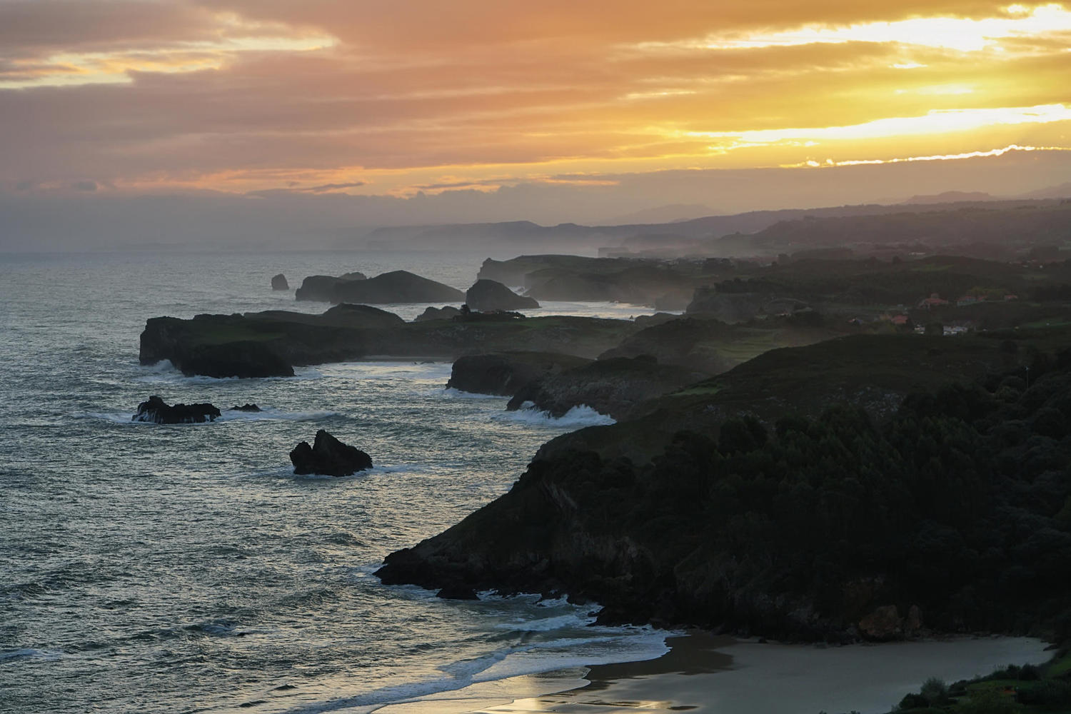 Sunset in the coast of Llanes.