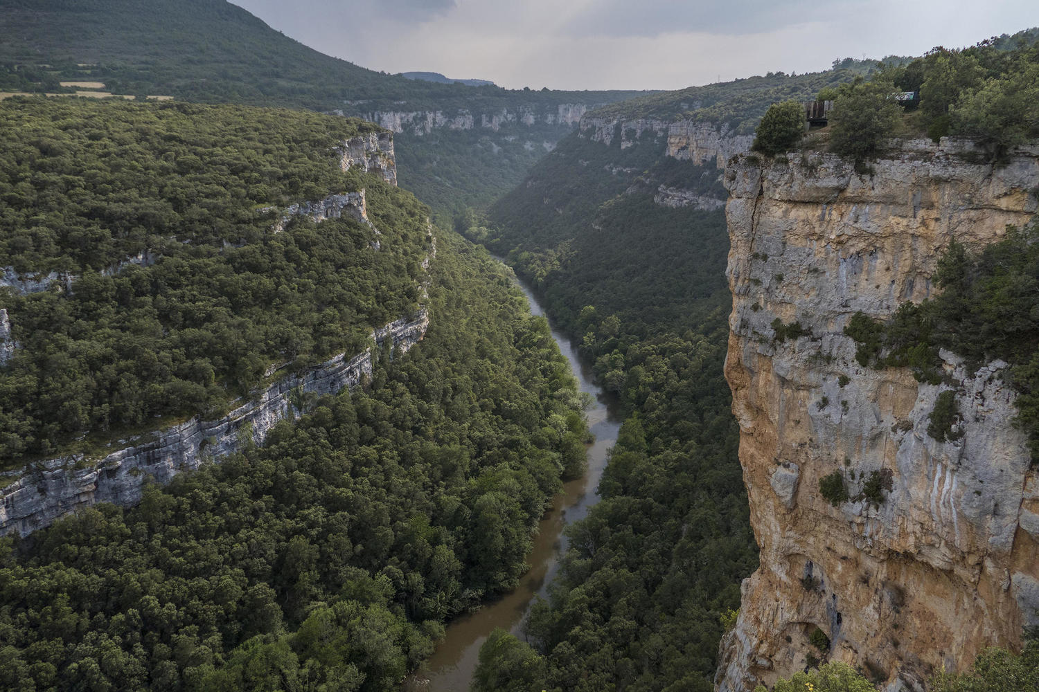 Beautiful canyon view on the walk to Valdelateja