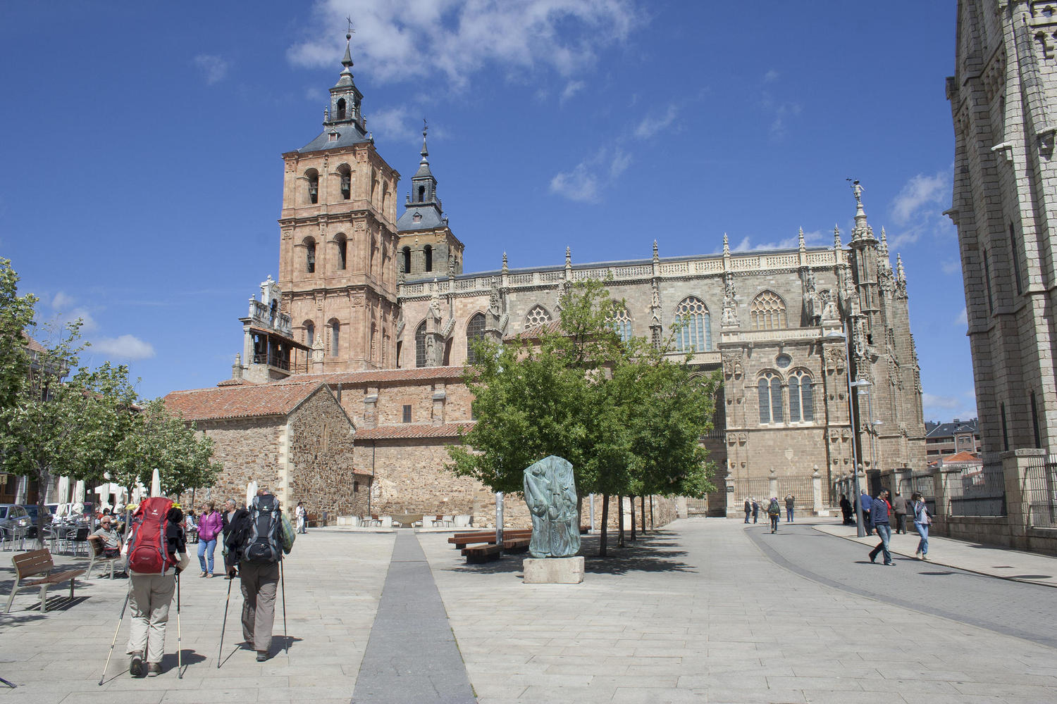 Pilgrims arriving to Astorga´s cathedral.
