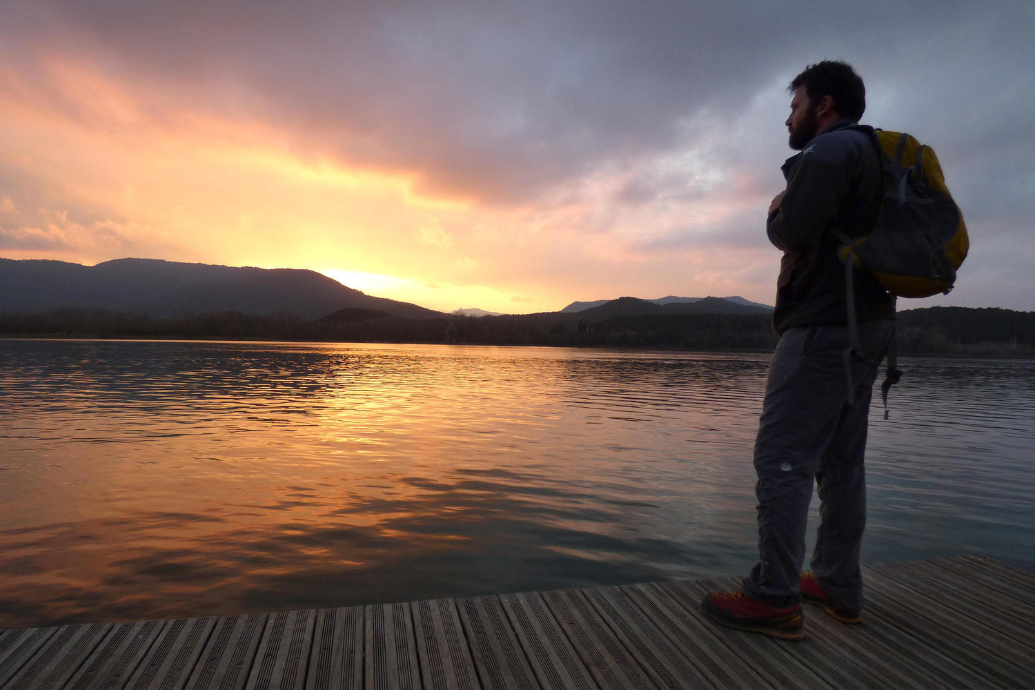 Hiking around the Banyoles lake at sunset