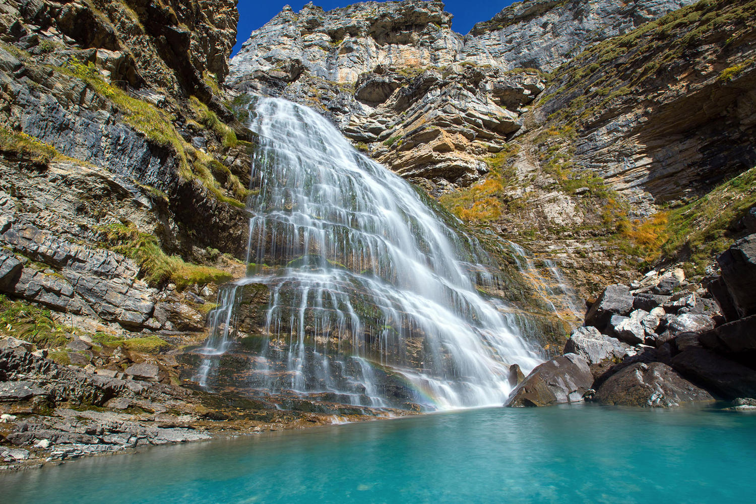 """The """"Horse Tail"""" waterfall in Ordesa."""