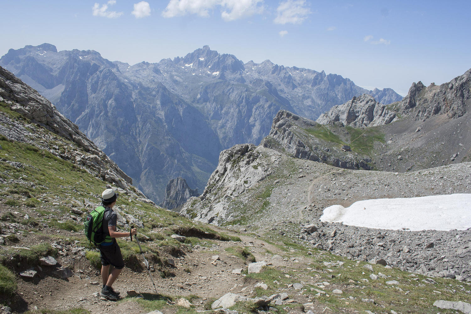 Summer hiking in the high trails of the Picos