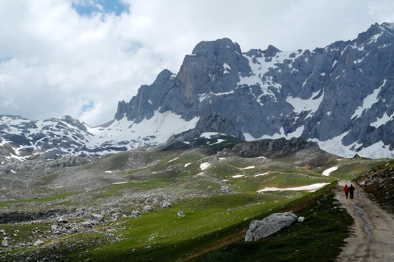 Walking around the high central mountains of the Picos de Europa