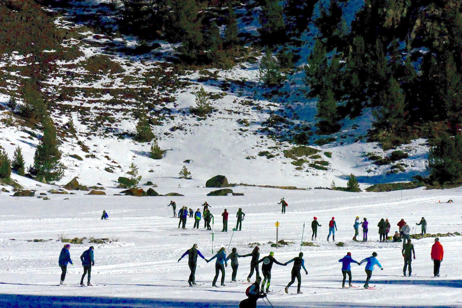 The flat valley of Llanos del Hospital is ideal for learning nordic skiing
