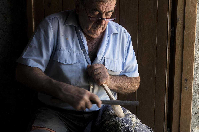 Woodworker in Nerin