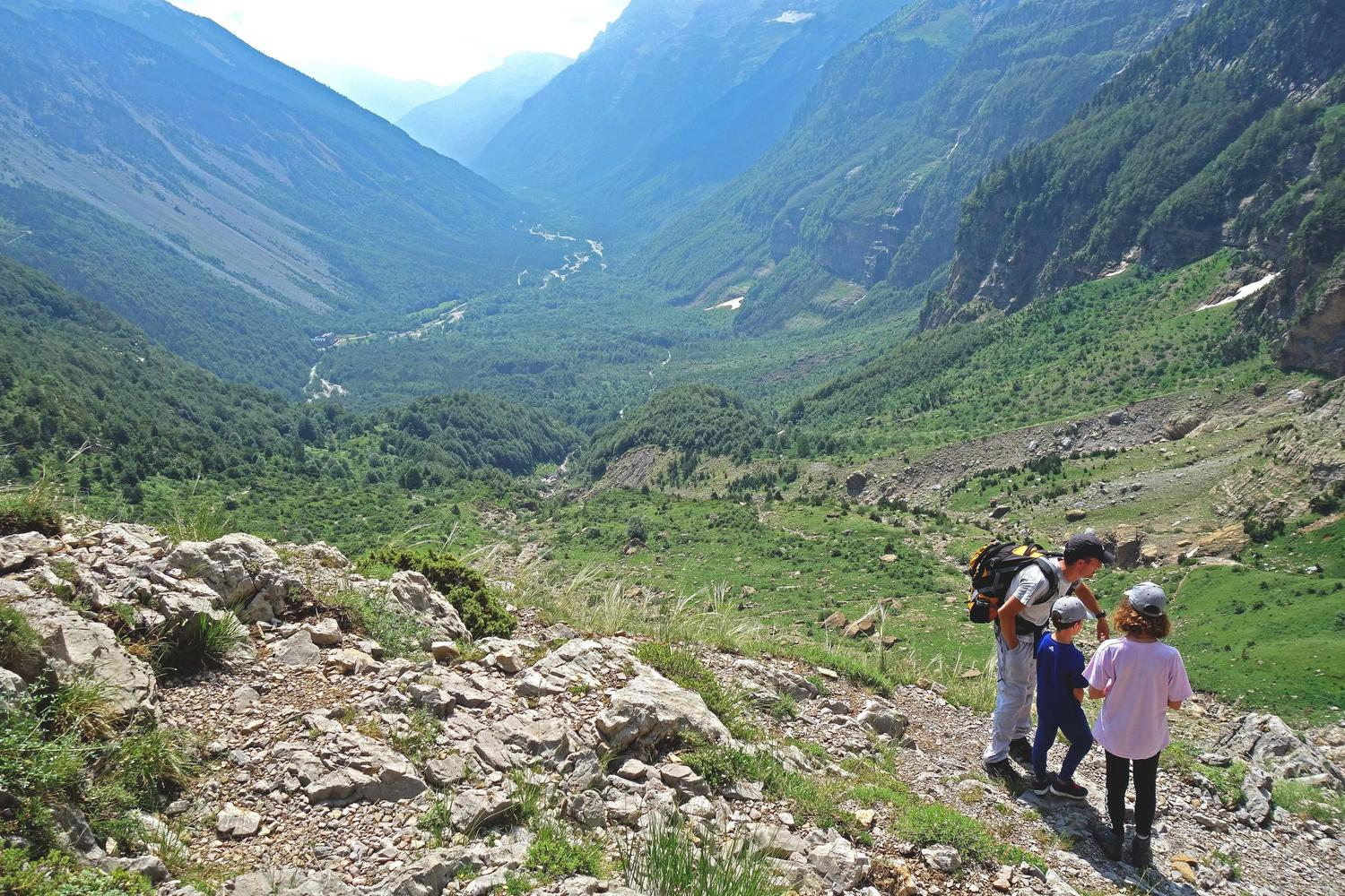 Family hiking in the Pineta valley, Ordesa National Park