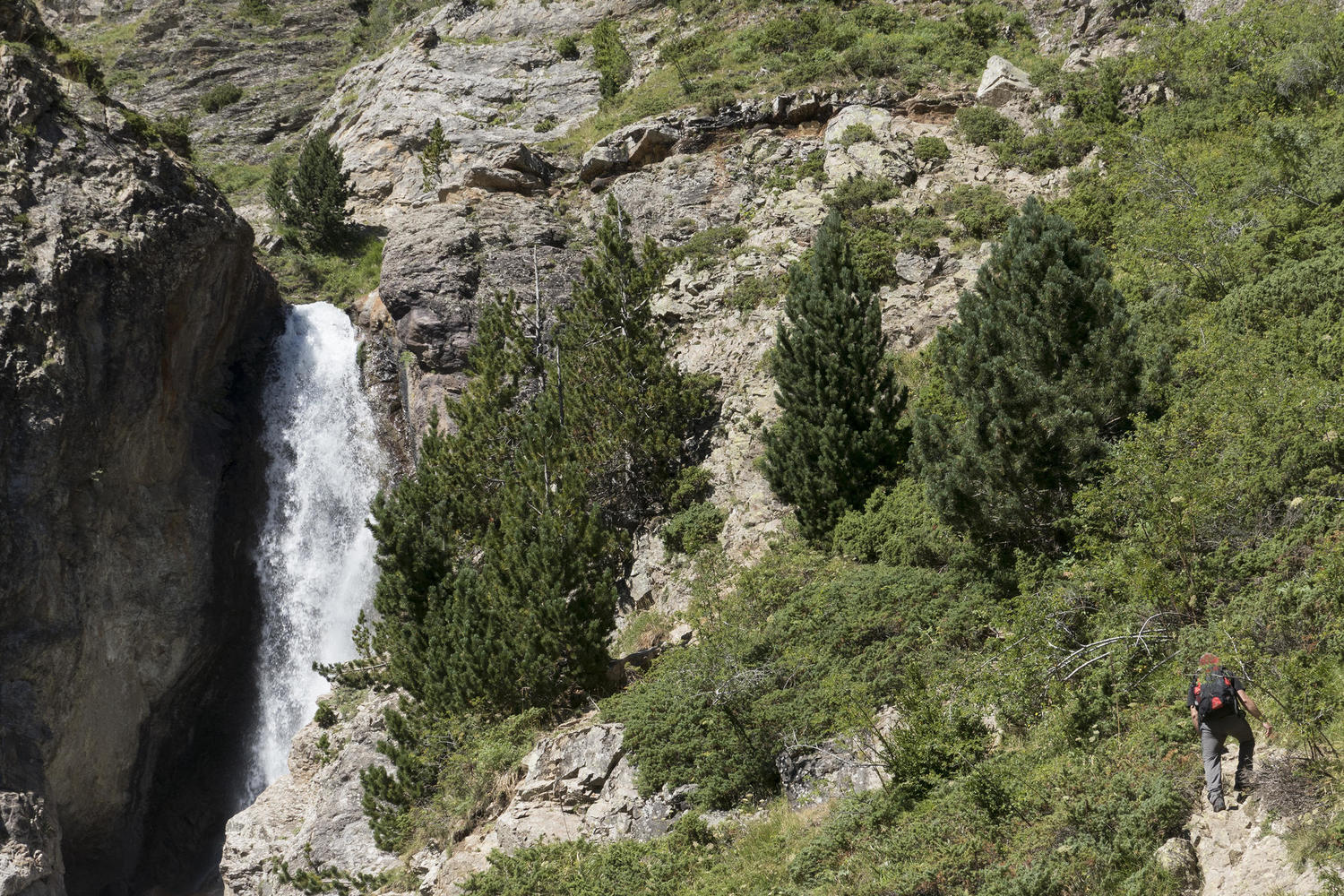 Lalarri waterfall in Pineta Valley of Ordesa