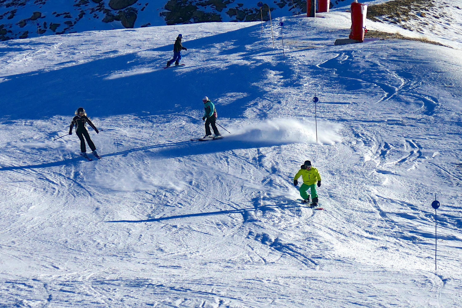 Skiers and boarders happily mix: there's room for everyone in Cerler