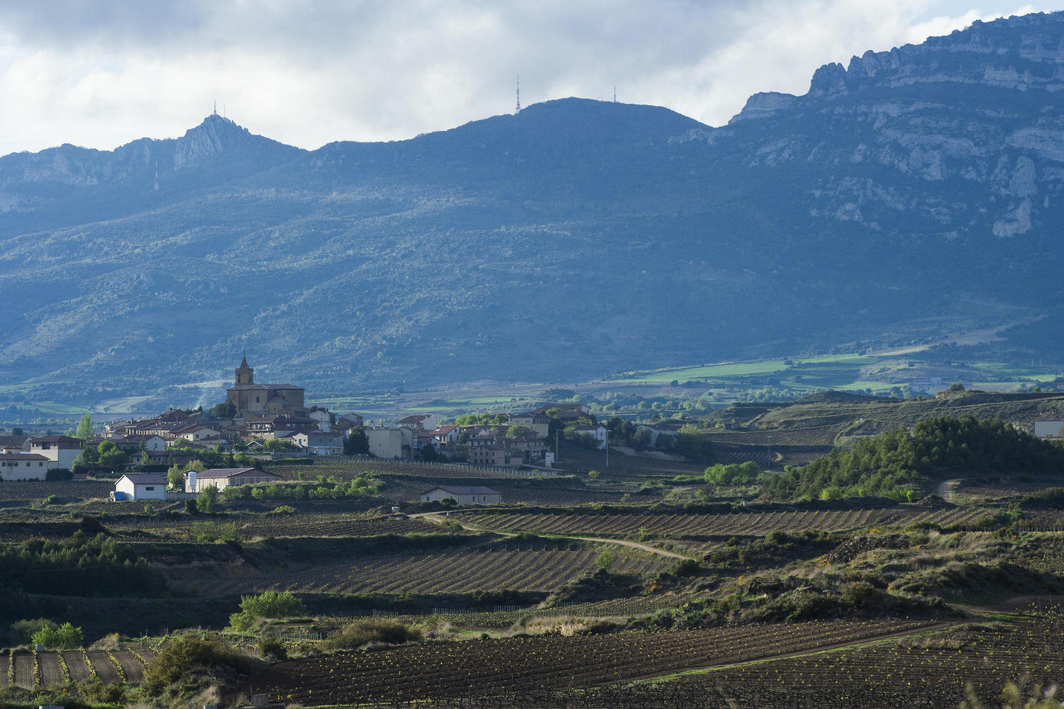 Rioja villages below the Sierra de Cantabria